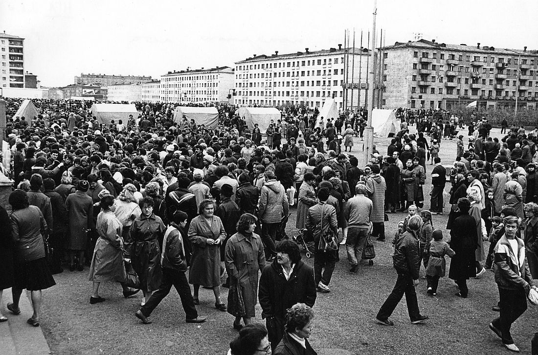 Уличные ярмарки и выставки-продажи были приметой лета в Норильске