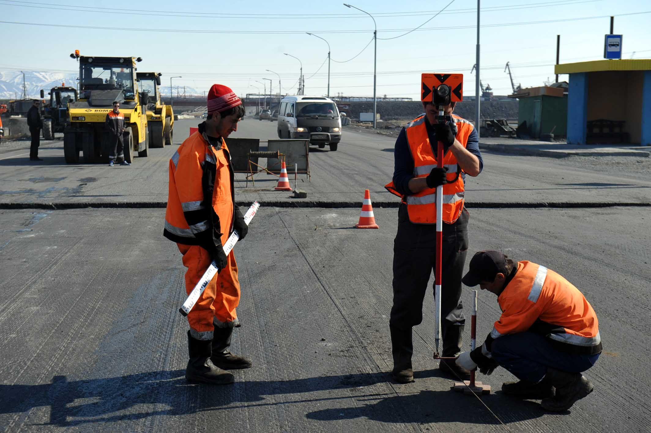 245 млн. руб. потратят на летние дорожные работы в Норильске