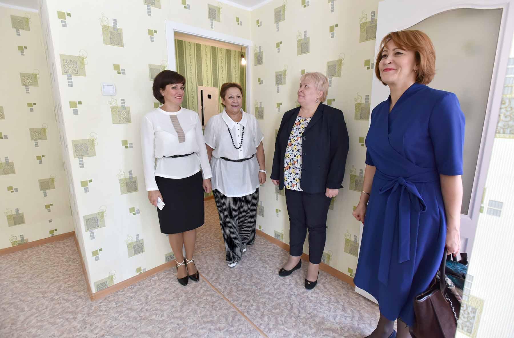 Комиссия оценила качество и готовность капитально отремонтированных квартир для норильских детей-сирот