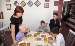 Охват горячим питанием школьников Таймыра на протяжении последних пяти лет составляет порядка 85%
