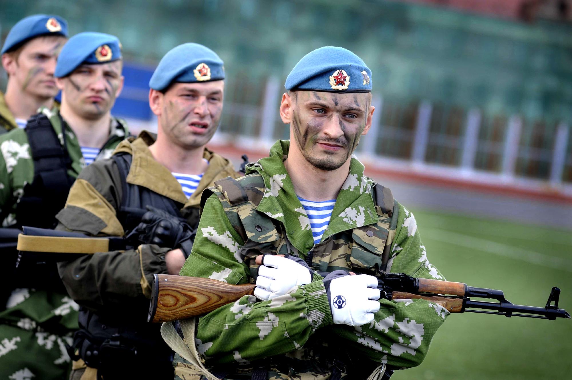 картинка десантника в голубом берете бывают специфические