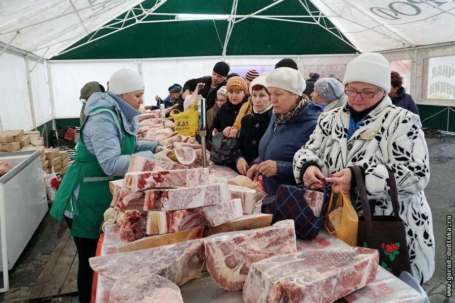 Продовольственную ярмарку в Дудинке продлили до выходных