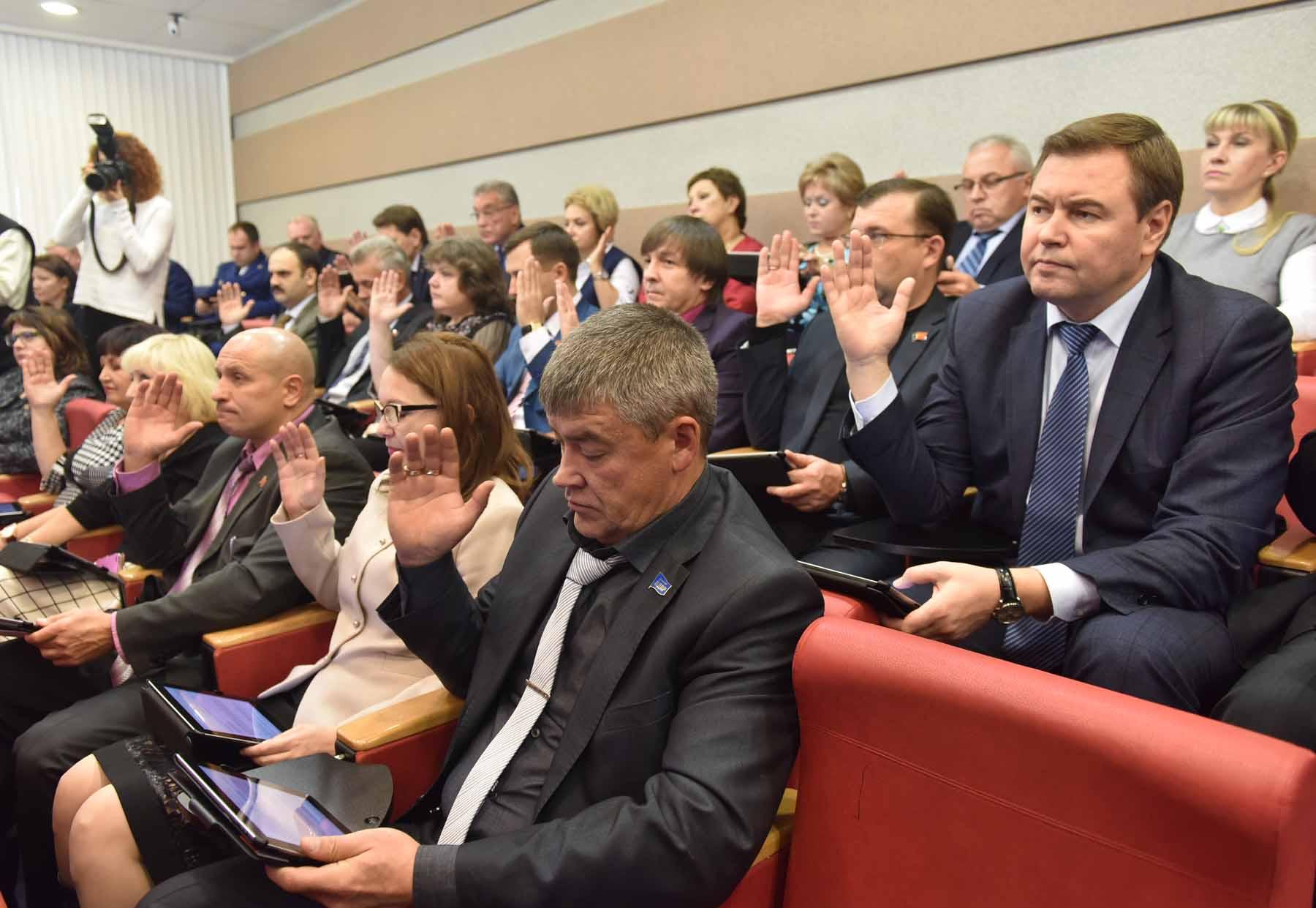 Полномочия двух депутатов Норильского Горсовета сегодня досрочно прекращены