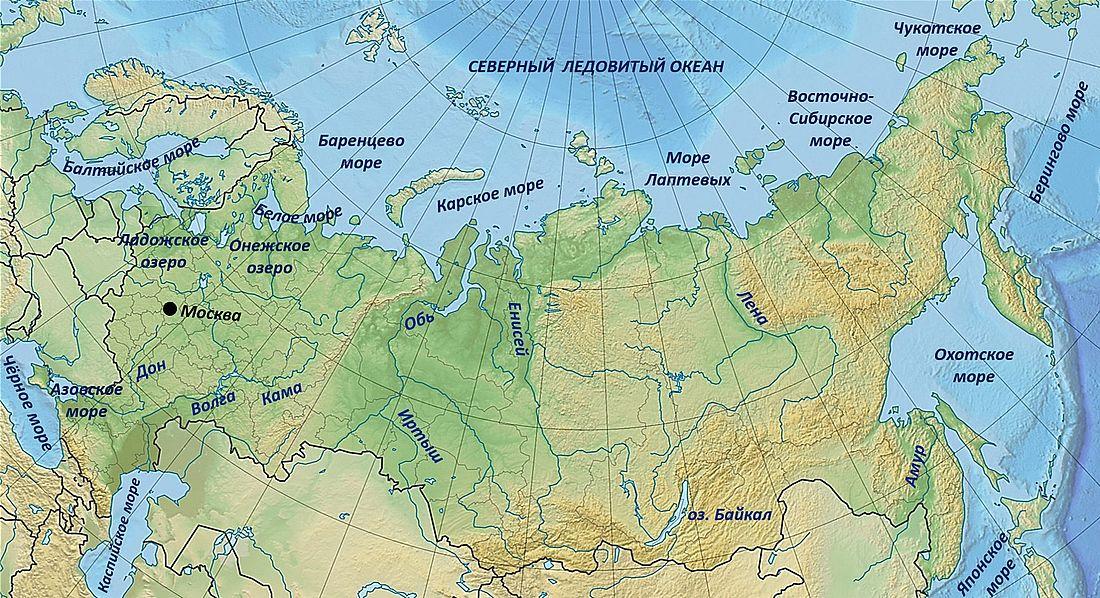 Реки бассейна Северного Ледовитого океана многоводны и имеют большую протяженность. Большинство из них находится в России, составляя 65 процентов всех водных потоков страны, остальные принадлежат Канаде