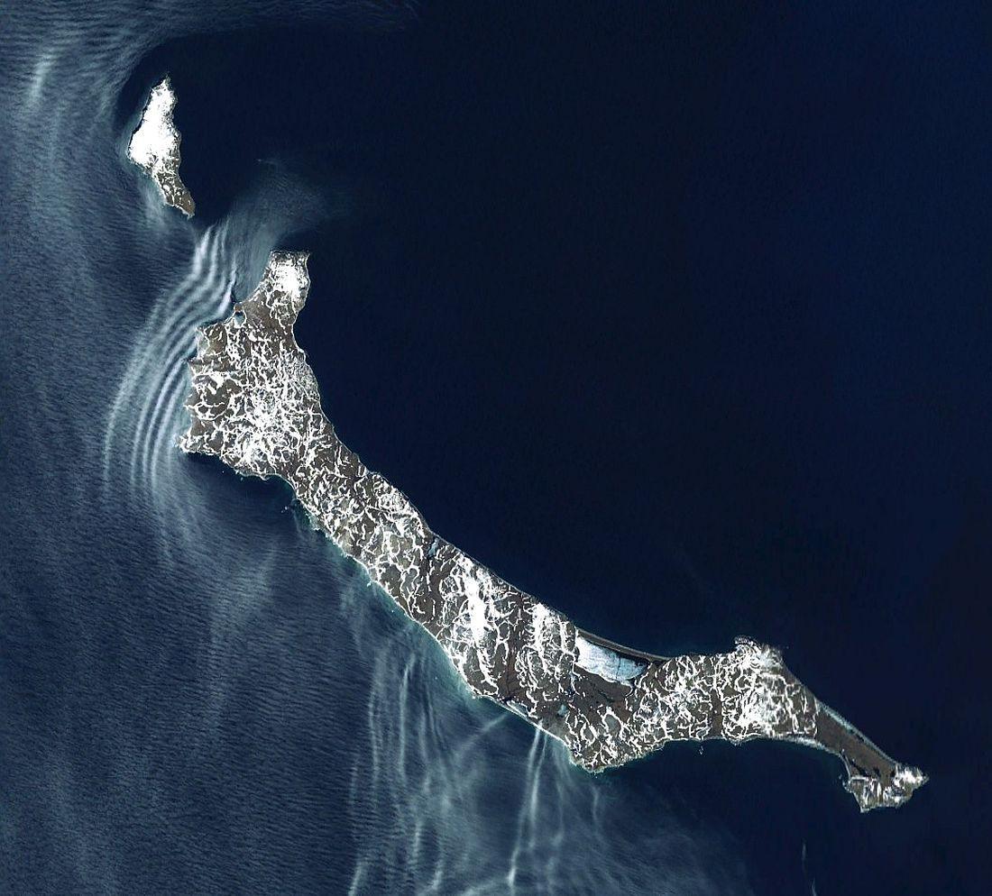 Остров Святого Матвея со спутника. Территория не заселена
