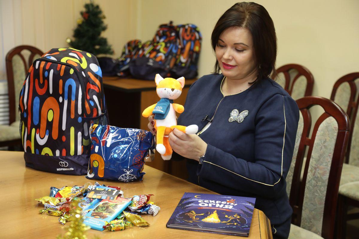 Новогодние подарки для детей работников «Норникеля» начнут выдавать на этой неделе