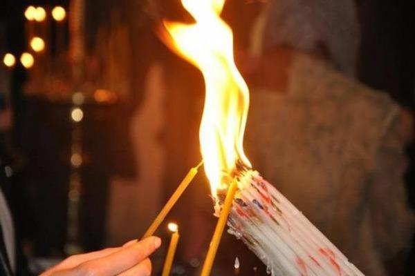 27 апреля Благодатный огонь возгорится в руках Патриарха Иерусалимского Феофила III