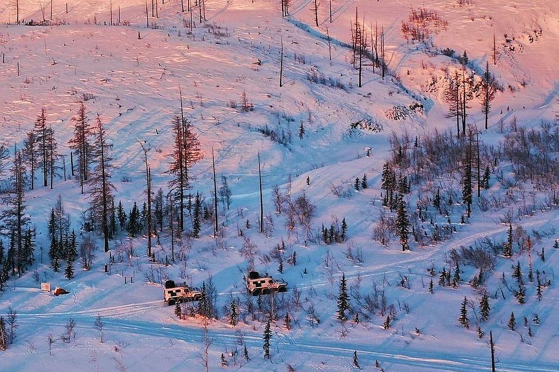 По заснеженным просторам путешественники передвигались на снегоболотоходах ТРЭКОЛ-39294