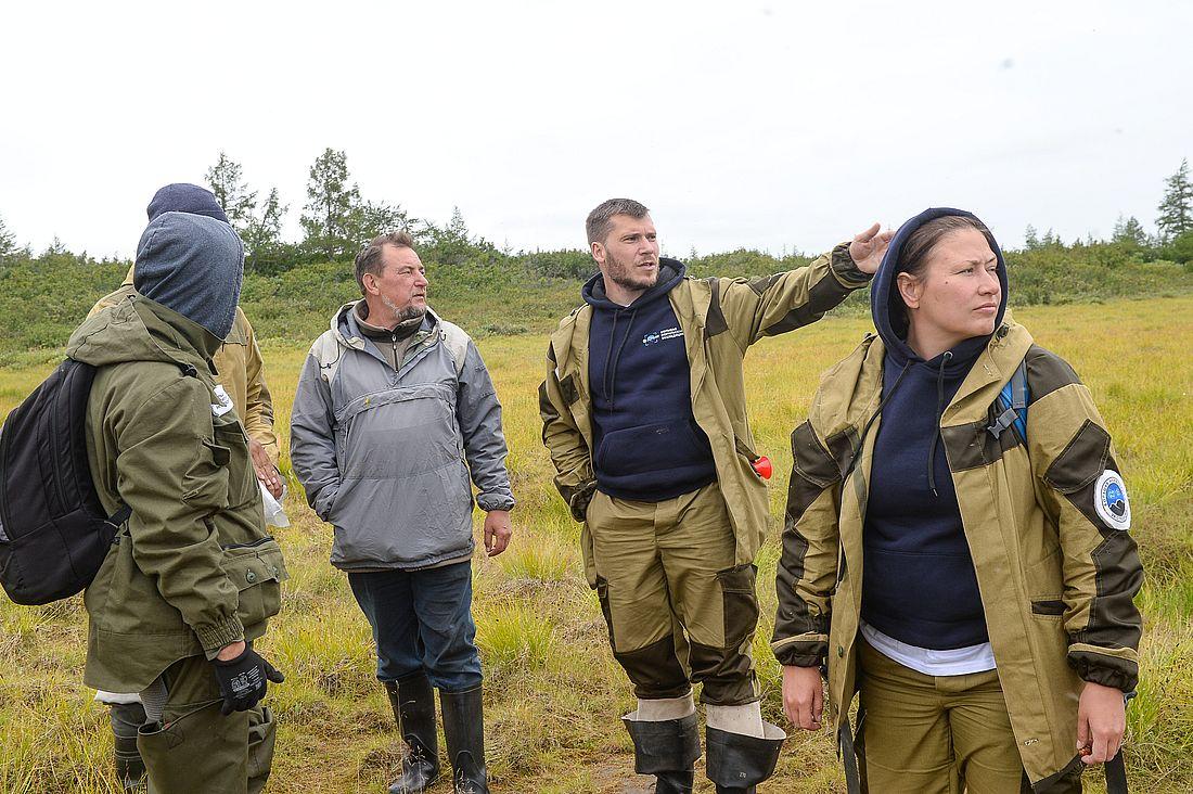 Николай Юркевич (второй справа) во время полевых работ Большой норильской экспедиции