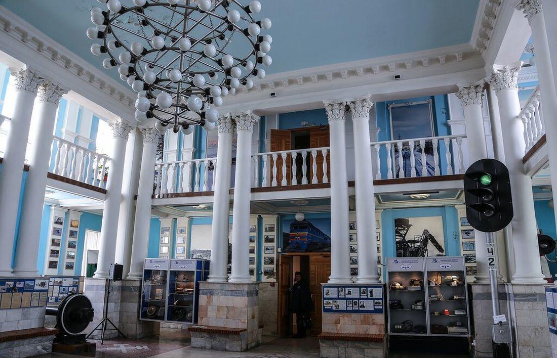Бывший зал ожидания, где сейчас расположен музей Норильской железной дороги