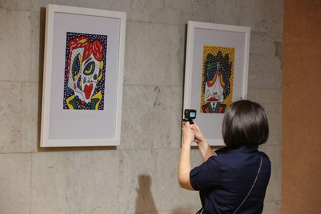 Дебютная выставка Варвары Бабаянц открыта в зрительском фойе театра до конца сентября