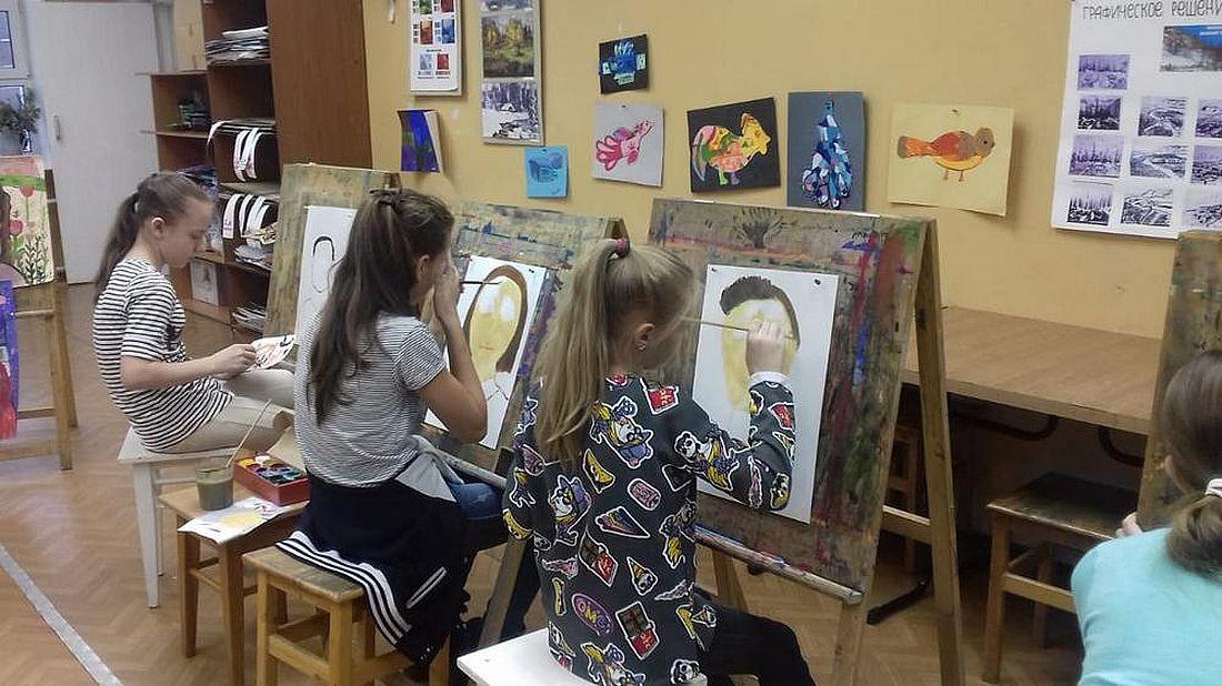 Занятия в художественной школе