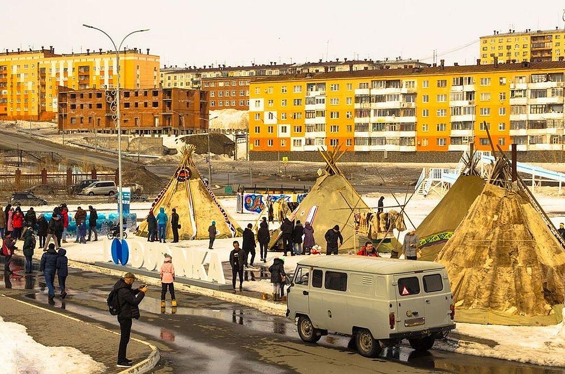 Город Дудинка, где проходит единственный за полярным кругом международный турнир по керлингу Arctic Cup