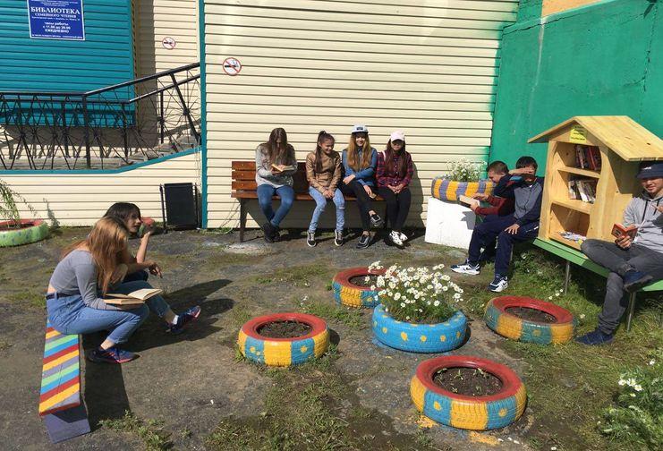 Школьники воплотили в жизнь два проекта по благоустройству Дудинки