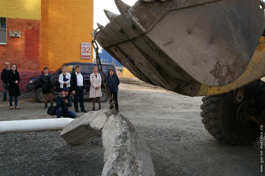 Улицу Горького в Дудинке открыли для движения автотранспорта