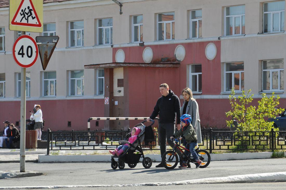 Владимир Путин предложил выплатить еще по 10 тысяч рублей на детей до 16 лет