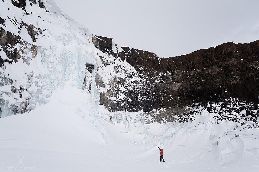 Зимой бесчисленные водопады плато Путорана превращаются в «ледопады»