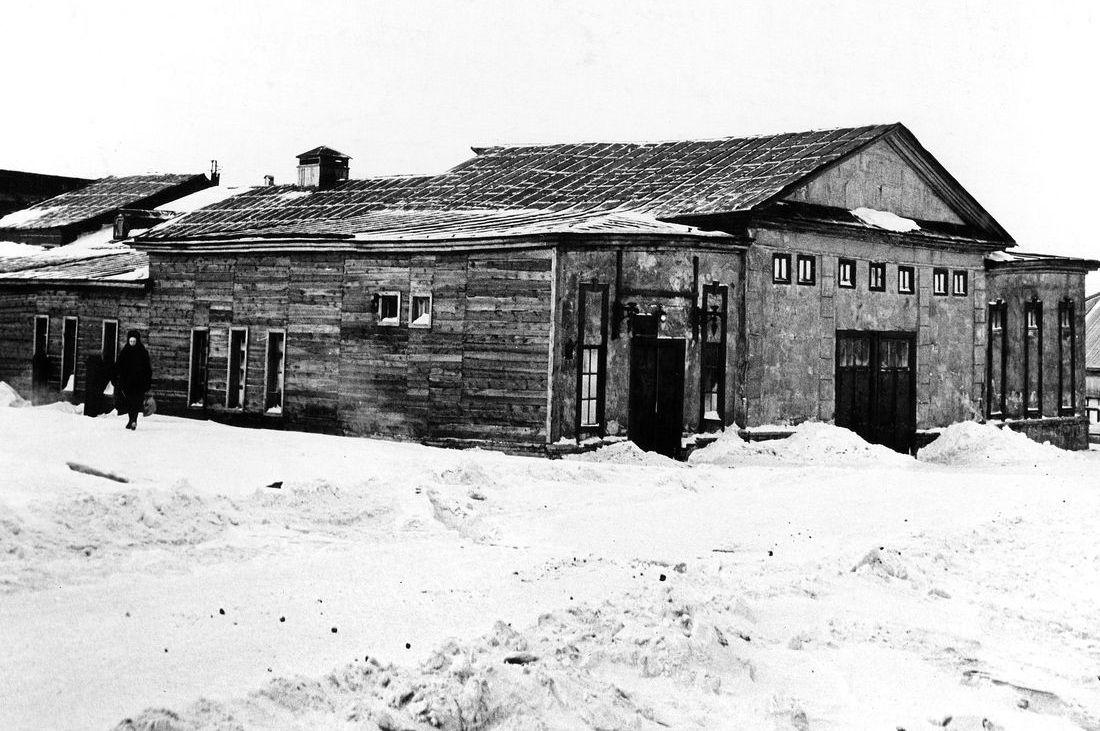 Первый театр Норильска на улице Горной