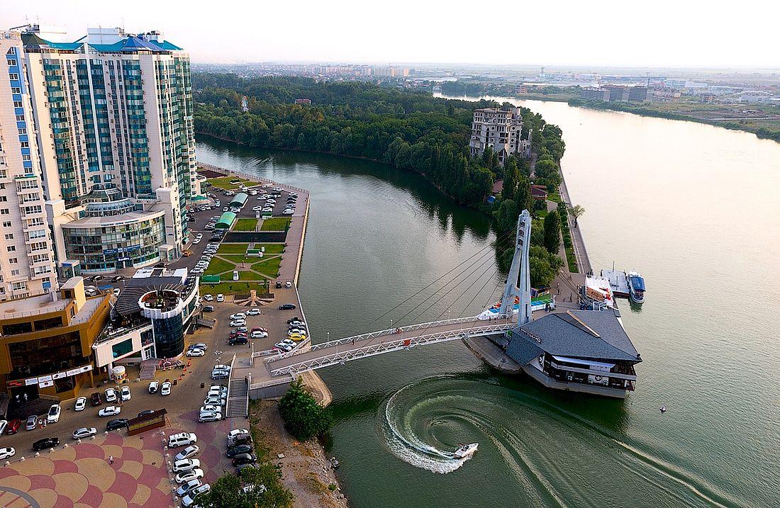 Краснодарский затон и Мост поцелуев