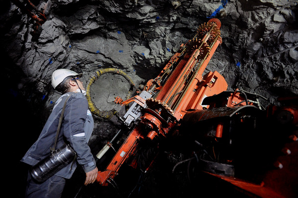 Заполярный филиал «Норникеля» приобретает технику для крепления горных выработок