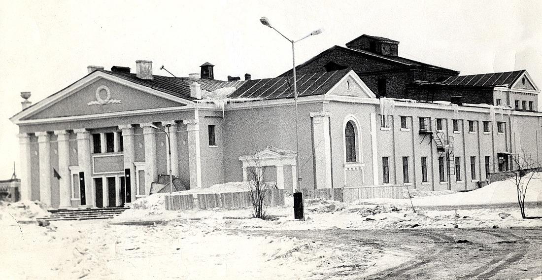 Норильский Заполярный театр на Севастопольской, 20