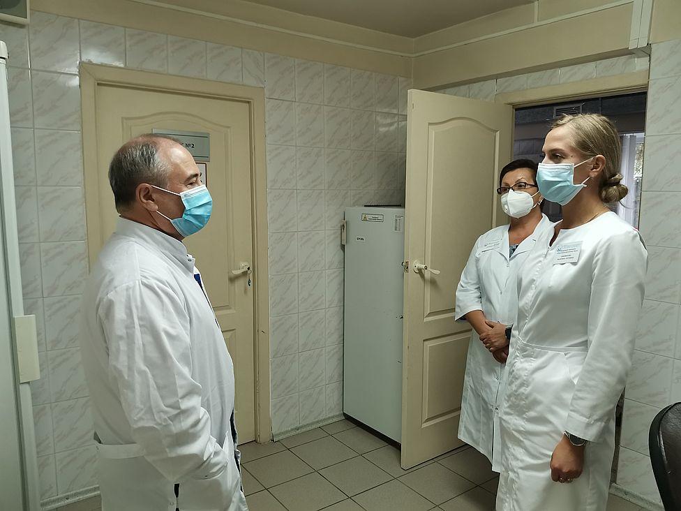 Вторую волну коронавируса ждут в Красноярском крае осенью