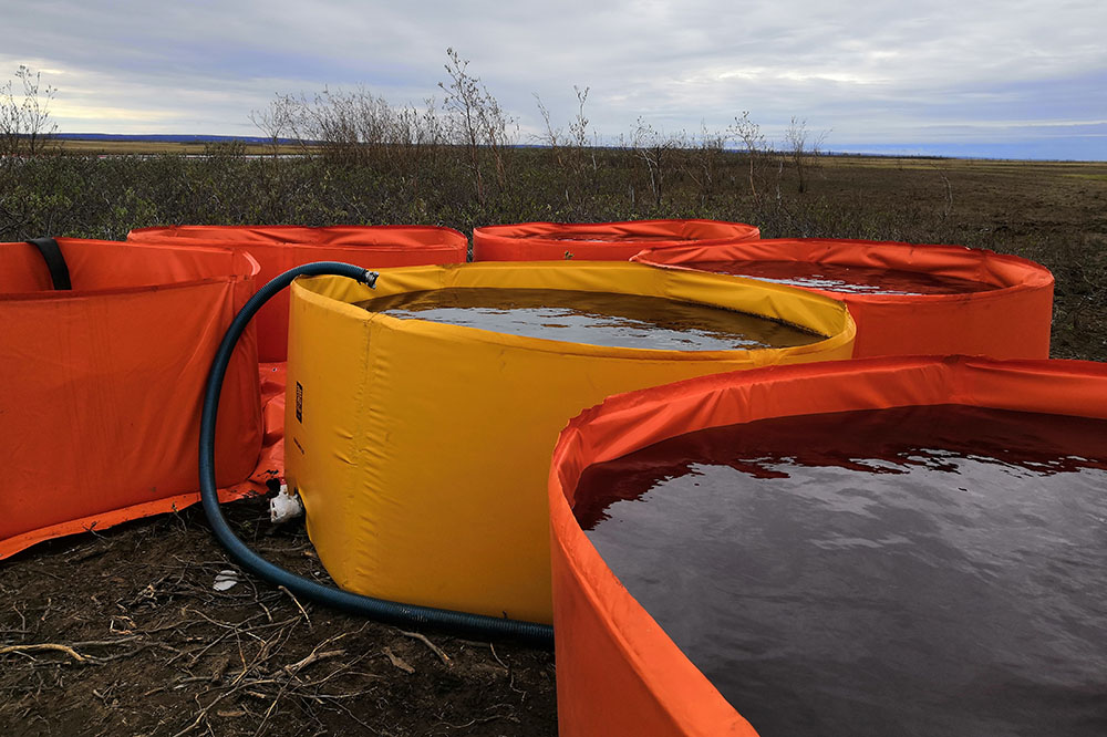 На реке Амбарной продолжается работа по ликвидации последствий аварии на ТЭЦ-3