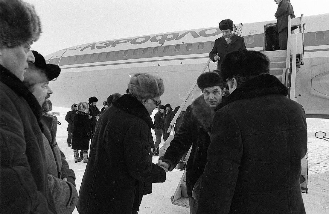На встречу с литературным десантом – 1984 ходил весь Норильск