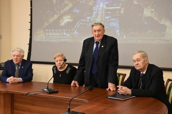 В апреле Владимир Долгих вновь избран председателем правления Красноярского землячества в Москве