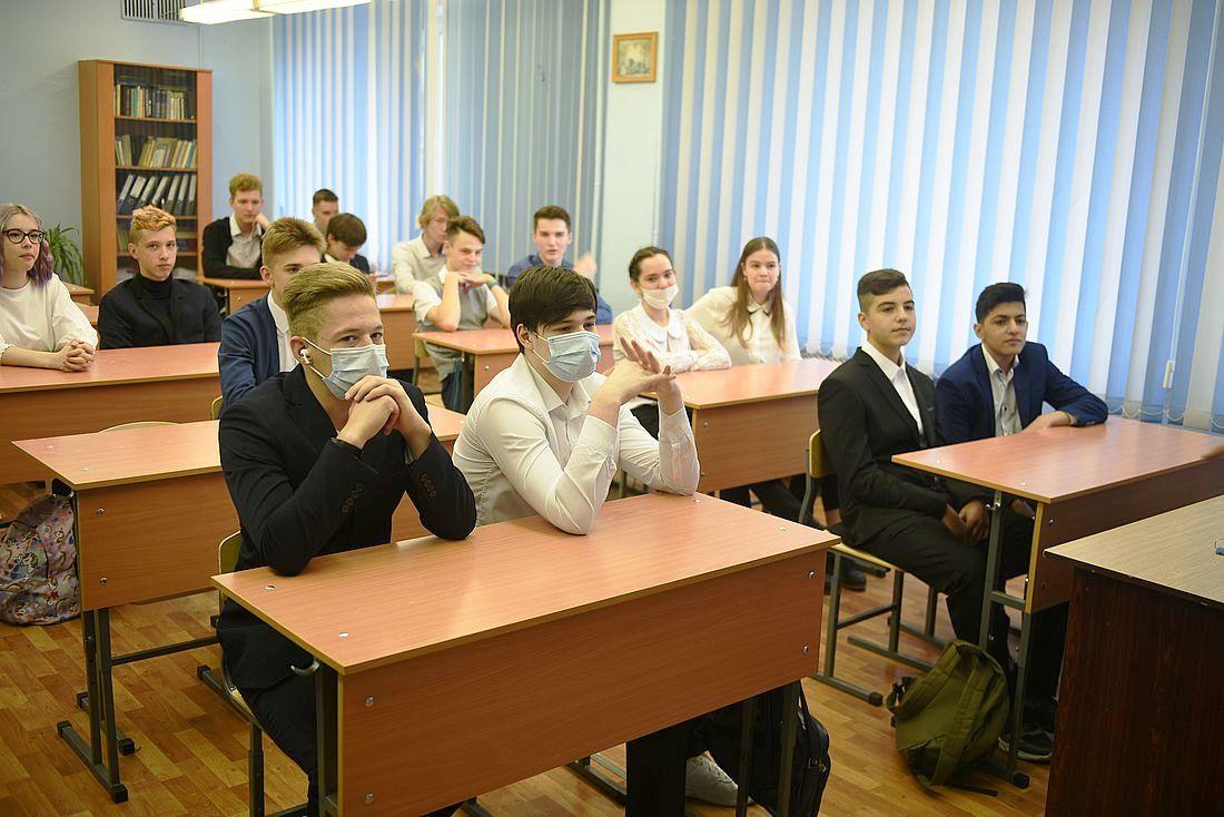 Норильску рекомендовали продлить дистанционку для школьников до 6 декабря