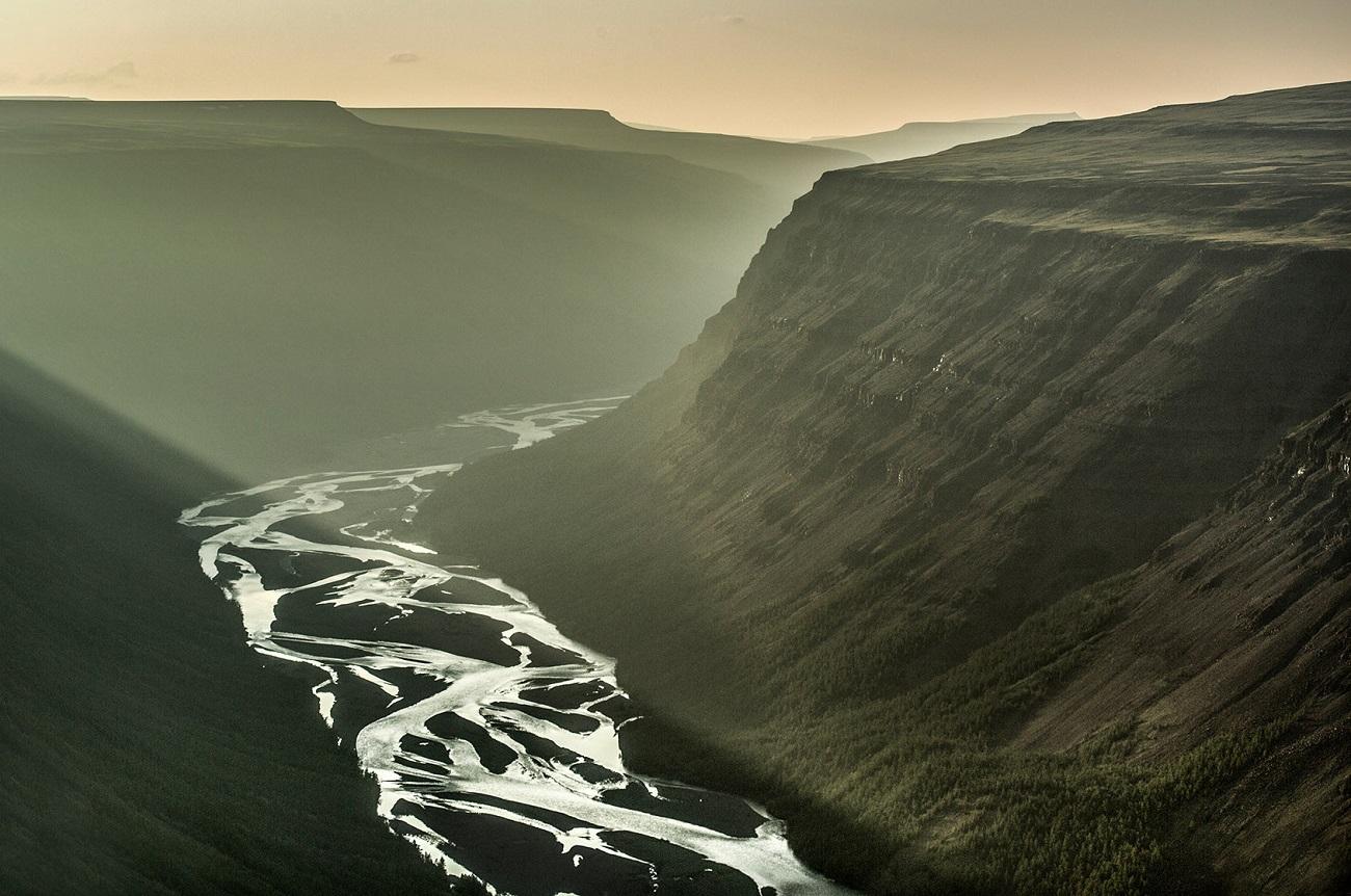 Плато Путорана. Страна множества водопадов, озер и рек