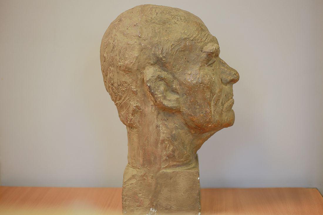 Впервые в Музее Норильска выставили гипсовый портрет Николая Козырева в 2018 году