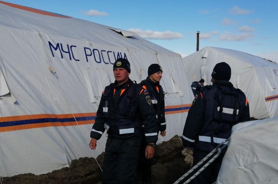 В спасательной операции участвуют специалисты Сибирского спасательного центра МЧС России