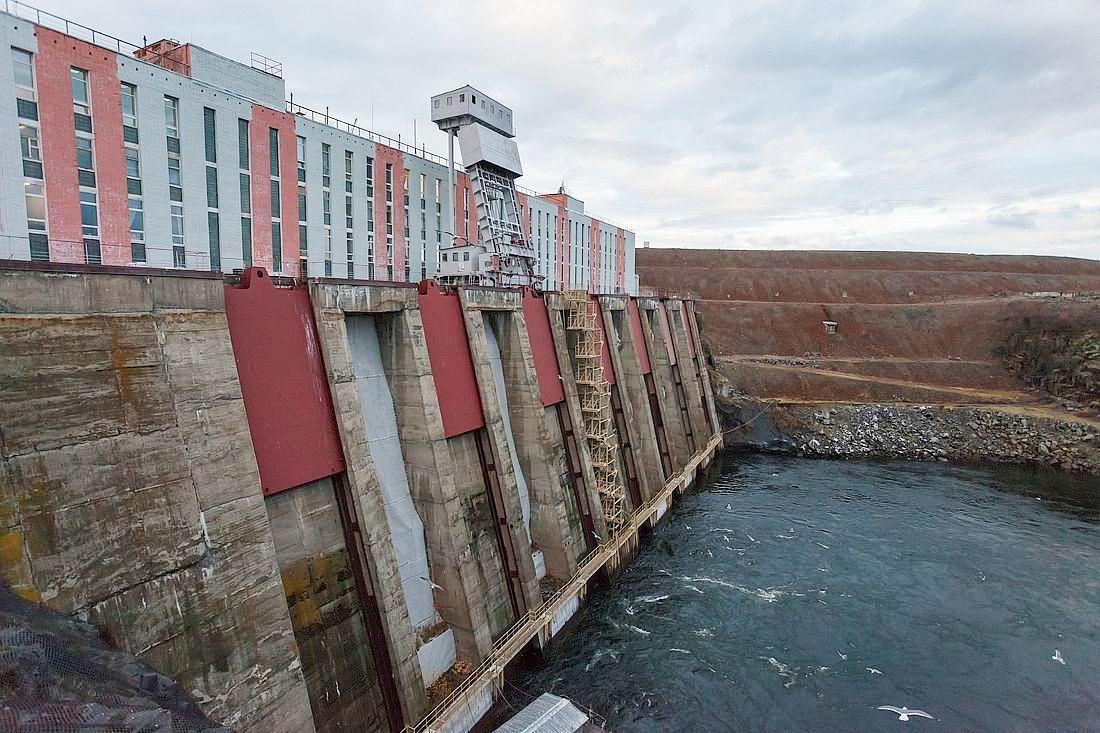 Самая северная в стране Усть-Хантайская ГЭС – уникальная гидроэлектростанция, вырубленная в скале