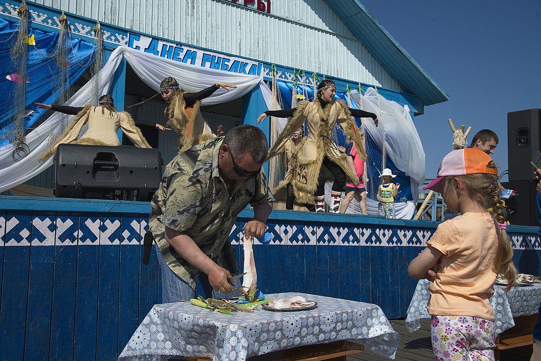 День рыбака в поселке Караул