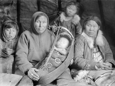 Семья энцев. Фото из энциклопедии Красноярского края