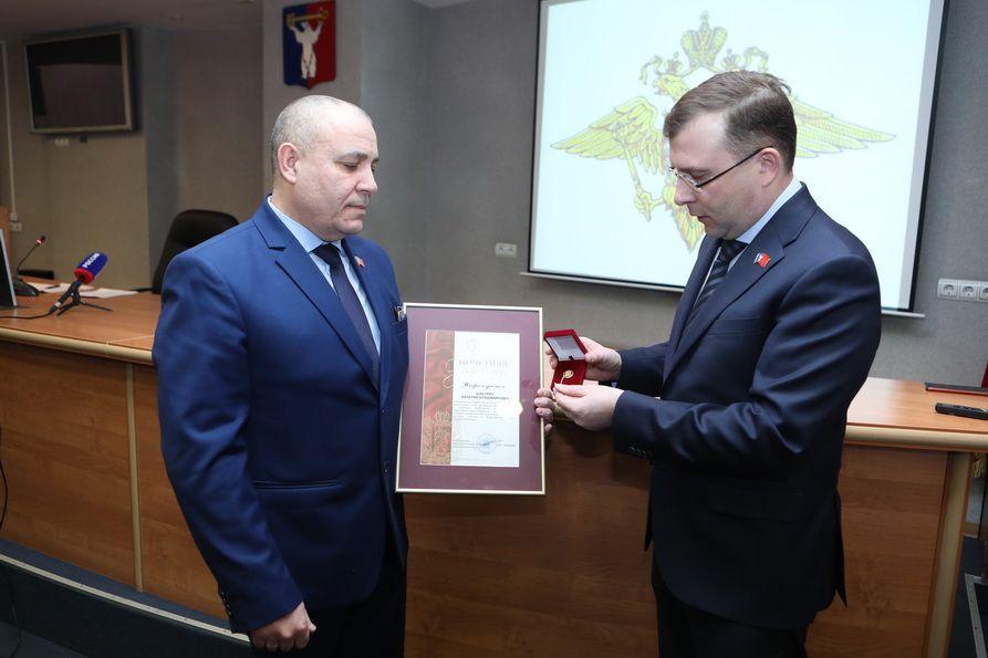 Норильский депутат удостоен краевой награды