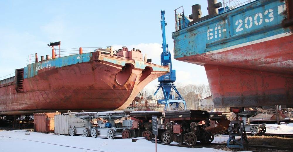 В судоремонтном центре Енисейского речного пароходства готовят флот к навигации