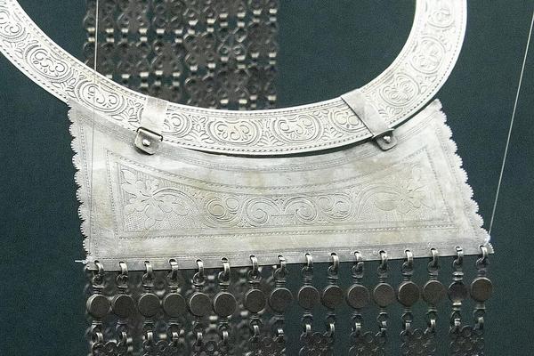 Столетний юбилей уникальная долганская гривна отметила в Таймырском музее