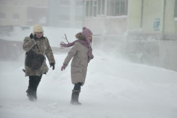 Сильный ветер будет дуть в Норильске весь день