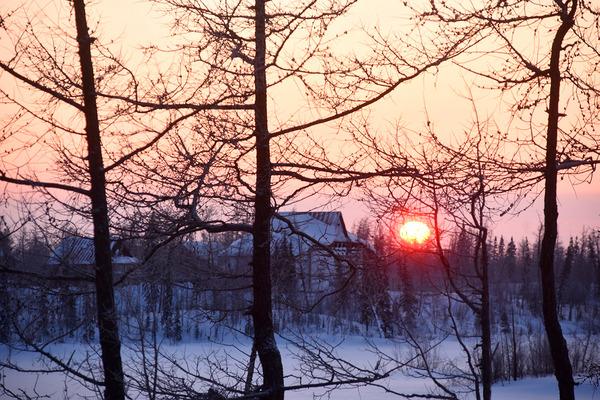 Над Норильском уже виден диск солнца
