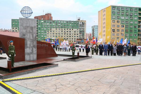 Первый мемориальный знак торжественно открыли в Кайеркане