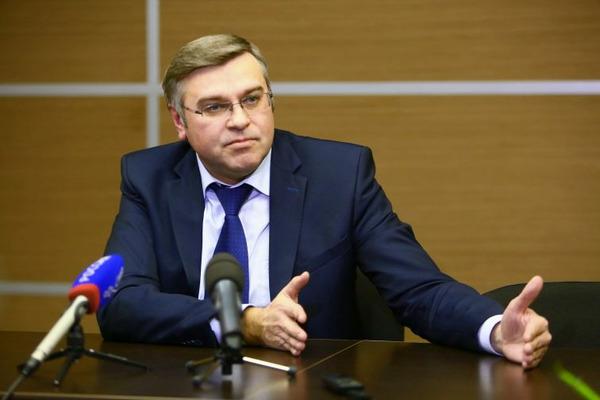 Норильский градоначальник инициировал запрет реализации электронных курительных изделий несовершеннолетним
