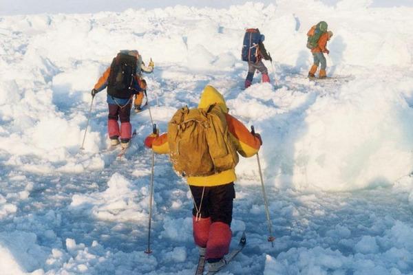 25 лет назад команда лыжников впервые в мире достигла Северного полюса в автономном режиме