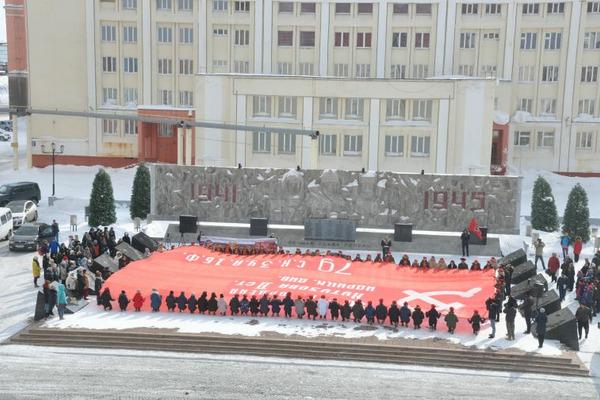 Сегодня норильскому штабу Юнармии на вечное хранение передали копию Знамени Победы