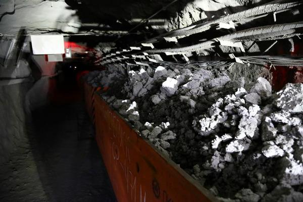 На рудниках Заполярного филиала завершается обновление вагонного парка