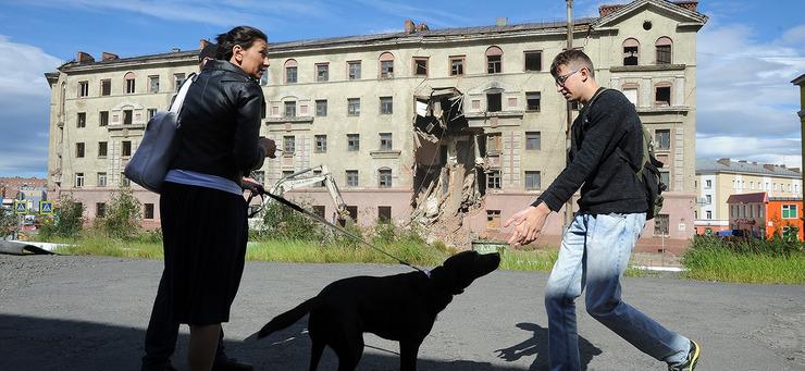 Снос аварийной сталинки на Комсомольской