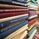 В здании бывшей научно-технической библиотеки все еще остается много невостребованной литературы