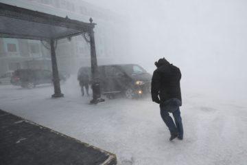Штормовое предупреждение в связи с усилением ветра объявлено в Норильске