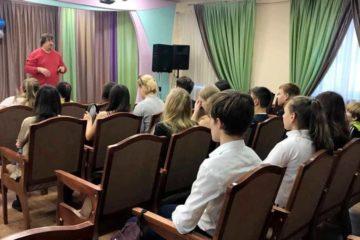 15 дудинских старшеклассников продолжат обучение в медиашколе